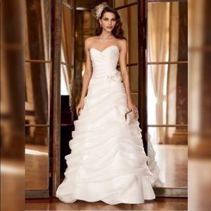 Galina signature dresses galina wedding dress poshmark galina signature dresses galina wedding dress junglespirit Gallery